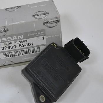 Датчик расхода воздуха Nissan